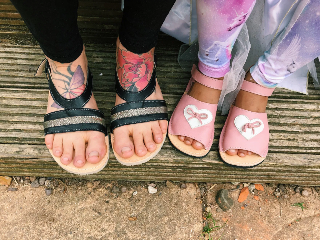Zeazoo barefoot sandals – Anemone for women and Coral for kids - Review by BareSteps